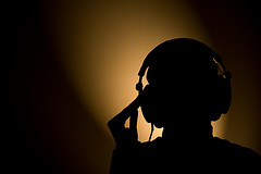 headphone silhouet
