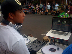 Requests/Maui Thing's The Uptown Getdown 2 at Wailuku First Friday